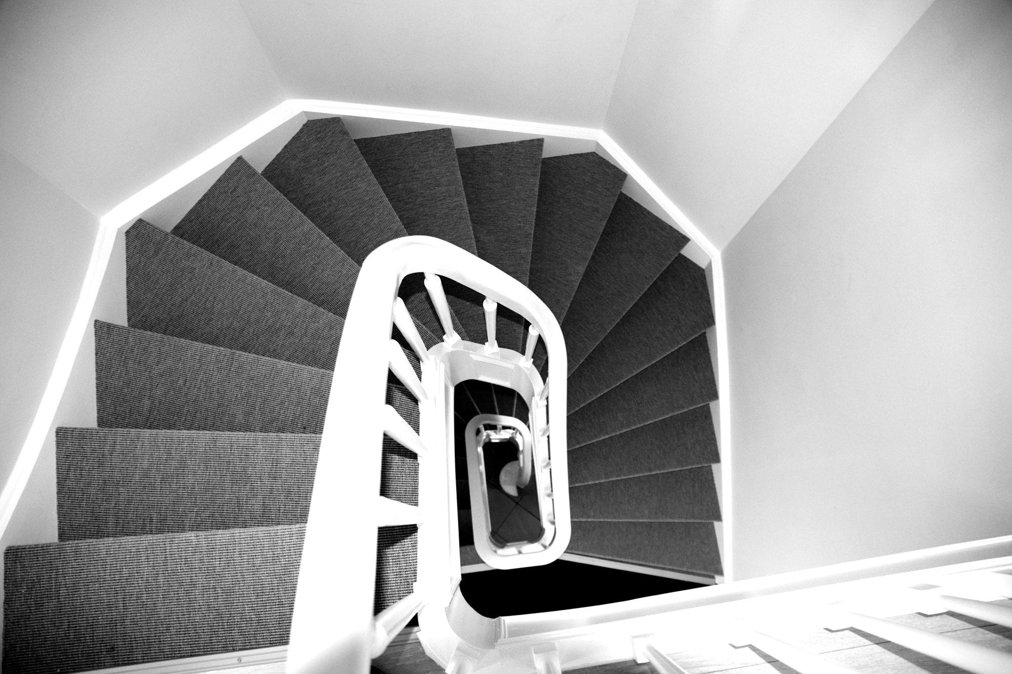 Pierphy welkom een renovatie en decoratiebedrijf vertrouw ons uw werf toe 1070 brussel - Decoratie van trappenhuis ...